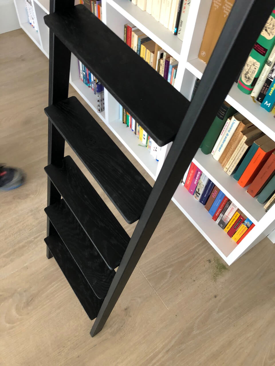 Slank trappetje van staal