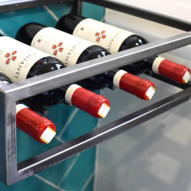 Hangend wijnrekje van staal
